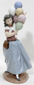 010421 LLADRO PORCELAIN FIGURE WITH BALLOONS H 10