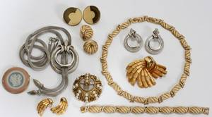 122522 COSTUME JEWELRY GROUPING10 pieces