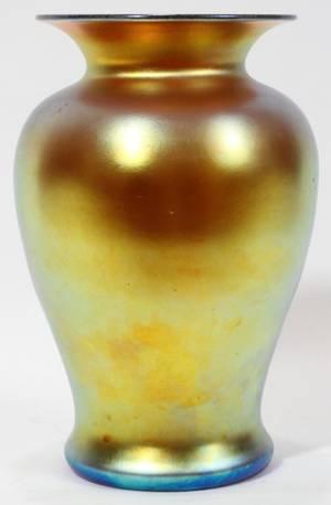121003 STEUBEN AURENE GLASS VASE C 1900 H 9