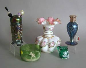 Five pcs of misc glassware