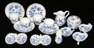 041098 MEISSEN BLUE FLORAL PORCELAIN TEA CUPS SUGAR