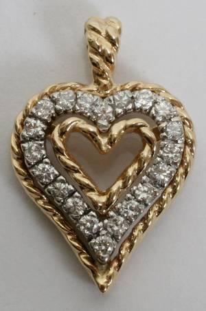 041154 14KT GOLD  DIAMOND HEART PENDANT