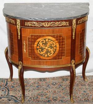 041139 FRENCH STYLE MARBLE TOP COMMODE H 29