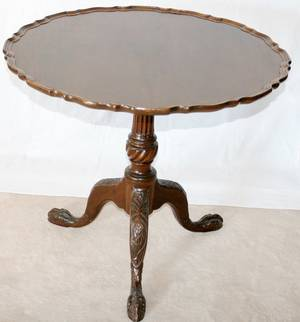 031167 CHIPPENDALE STYLE MAHOGANY TILTTOP TABLE H 26
