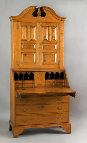 Pennsylvania Queen Anne maple secretary desk ca 1760