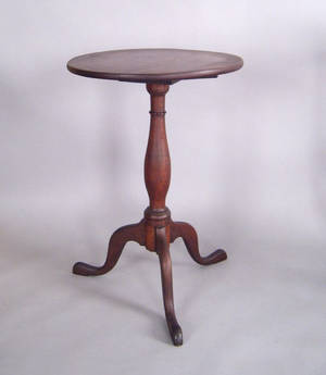 Pennsylvania Queen Anne walnut candlestand ca 1790