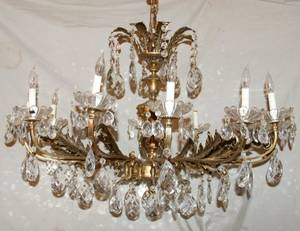 042228 BRONZE AND CRYSTAL 12 LIGHT CHANDELIER H 23