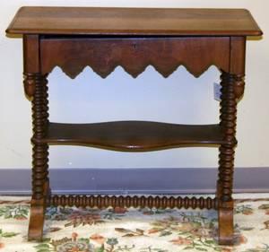 050231 MAHOGANY TRESTLE TABLE EARLY 20TH H 29 W 33