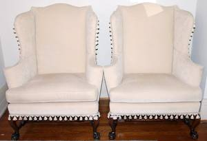 031285 CHIPPENDALE STYLE MAHOGANY WINGBACK CHAIRS PR