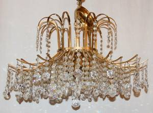 012356 CRYSTAL AND BRASS SIX LIGHT CHANDELIER H 18