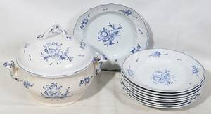 051491 FRENCH BLUE  WHITE SOUP PLATES 21  TUREEN