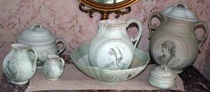 032384 VICTORIAN DEMI PORCELAIN PITCHERWASH BASIN SET