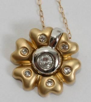 052442 14KT GOLD  DIAMOND FLOWER PENDANT DIA 12