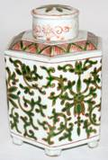 030467 CHINESE PORCELAIN COVERED TEA CADDY H 5