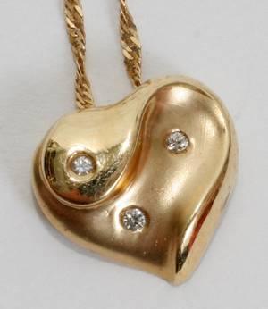 021514 14KT GOLD  DIAMOND HEART PENDANT WNECK CHAIN
