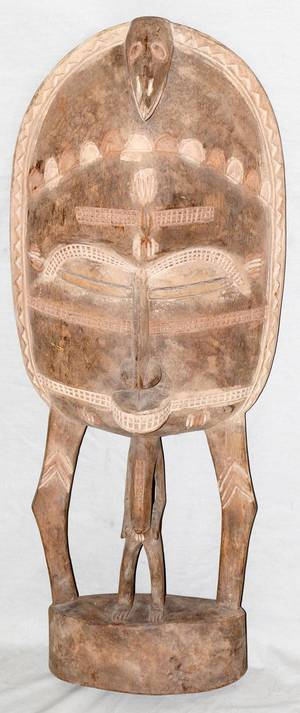 110090 AFRICAN CARVED WOOD STANDING SCULPTURE H 31