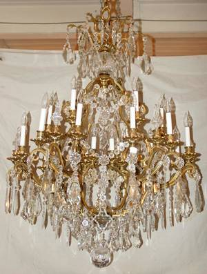 102137 BRONZE AND CRYSTAL 24 LIGHT CHANDELIER H 48