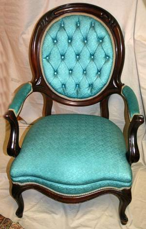 070169 MAHOGANY  UPHOLSTERED OPEN ARMCHAIR