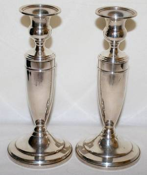 091343 AMERICAN STERLING SILVER CANDLESTICKS PAIR