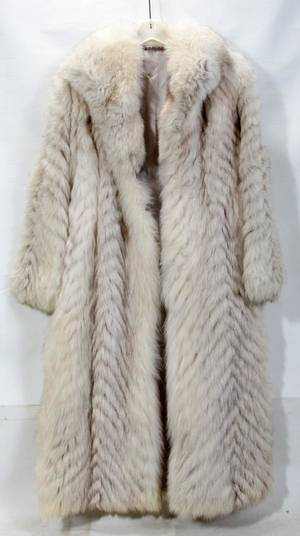 080342 BLUE FOX FUR COAT SIZE 10 L 47