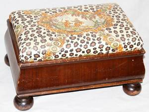 111446 19TH CENTURY MAHOGANY FOOT STOOL