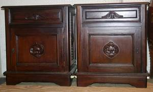 072322 VICTORIAN STYLE END TABLES PAIR H 27 L 23