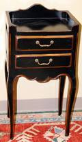 072307 COUNTRY FRENCH STYLE PAINTED TABLE H 31 W 15