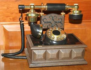 DECOTEL TELEPHONE 20TH C MODERN H 9 W 7