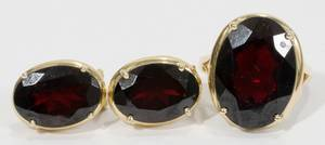 14KT GOLD  GARNET RING AND PAIR OF EARRINGS