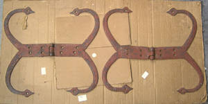 Three pair of wrought iron strap hinges 18th19th c