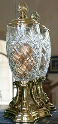 082405 DECORATIVE CRAFTS INC CRYSTAL AND BRASS URN
