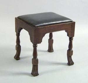 Philadelphia Queen Anne Cuban mahogany close stool ca 1740