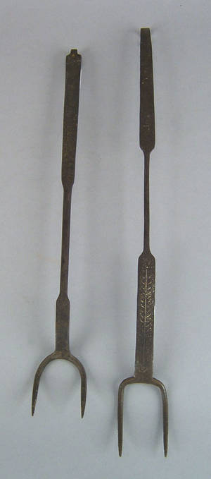 Two Pennsylvania wrought iron flesh forks 18th19th c
