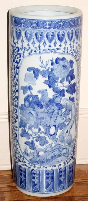 071458 CHINESE BLUE  WHITE CERAMIC UMBRELLA STAND