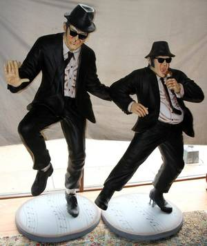 090014 THE BLUES BROTHERSJAKE  ELWOOD SCULPTURES