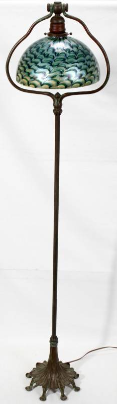 122070 LUNDBERG STUDIOS ART GLASS  BRONZE FLOOR LAMP