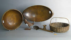 Woodenware to include 2 bowls