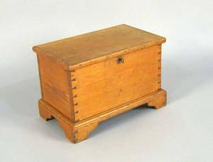 Pine lock box