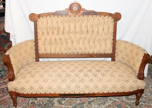 111430 EASTLAKE WALNUT SETTEE C 1890