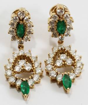 122332 YELLOW GOLD DIAMOND AND EMERALD DROP EARRINGS