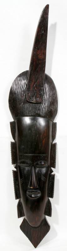 120454 AFRICAN CARVED WOOD MASK H 27 L 7