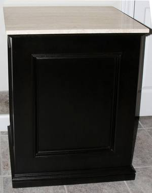 120036 CONTEMPORARY MARBLE TOP  WOOD PEDESTAL H 33