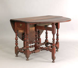 Delaware Valley William  Mary walnut gateleg table ca 1745