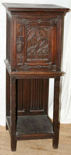 112153 EUROPEAN GOTHIC REVIVAL CARVED OAK CABINET