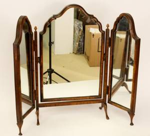 Walnut Trifold Dressing Mirror