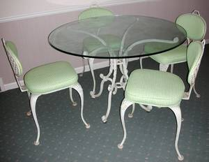 101615 IRON TERRACE TABLE WGLASS TOP  SIDE CHAIRS