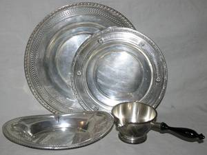101649 STERLING SILVER SAUCE BOAT TRAY  PLATES