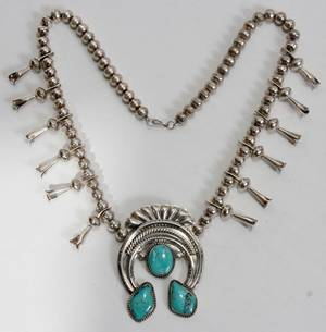 041161 NAVAJO SILVER  TURQUOISE SQUASH NECKLACE