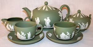 032240 WEDGWOOD MOSS GREEN JASPERWARE TEA SET GROUP