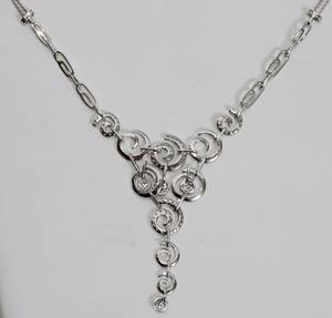 030262 14KT WHITE GOLD AND DIAMOND NECKLACE L 16